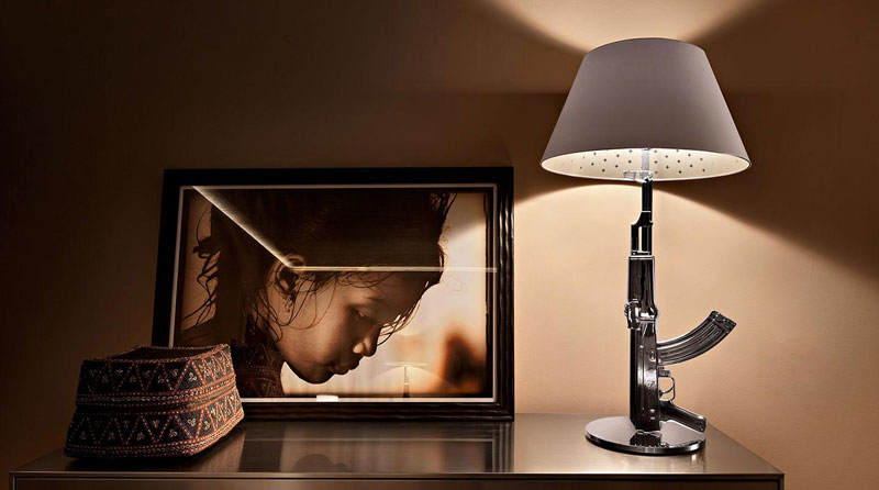 Guns Table lamp